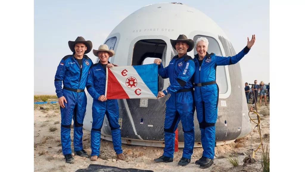 """Turismo spaziale: da """"spazio, ultima frontiera"""" a """"spazio, nuova frontiera""""? Il vero costo del turismo spaziale è quello ambientale."""